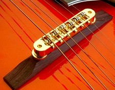 Archtop Roller Bridge Gold Rose Wood Base