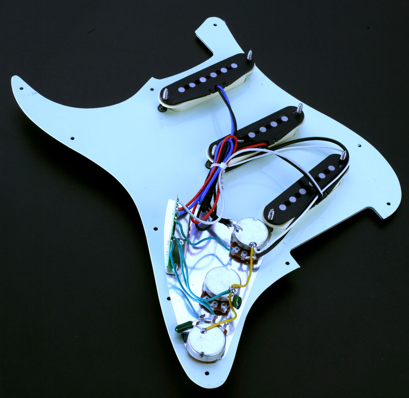 alnico pickup pre wired strat pickguard white major upgrade. Black Bedroom Furniture Sets. Home Design Ideas